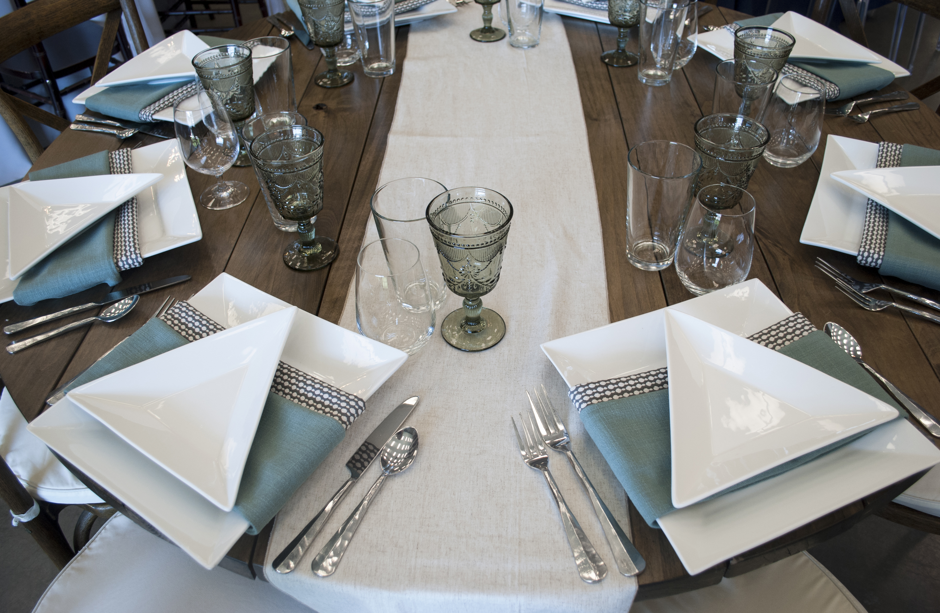 Geometric designs are growing in popularity for all kinds of weddings and events. From actual geometric shapes to modular table settings ... & Looks We Love | 4 Geometric Decor Ideas - Celebrations! Party Rentals